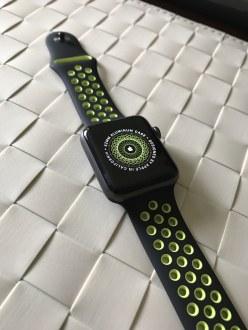 Apple Watch Nike+ preto/Volt