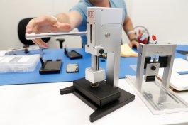 Máquina de calibragem de iPhones da Apple, para reparos em iPhones