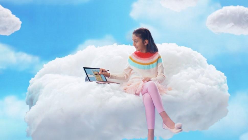 Novo comercial da Microsoft sugere que o iPad é para crianças