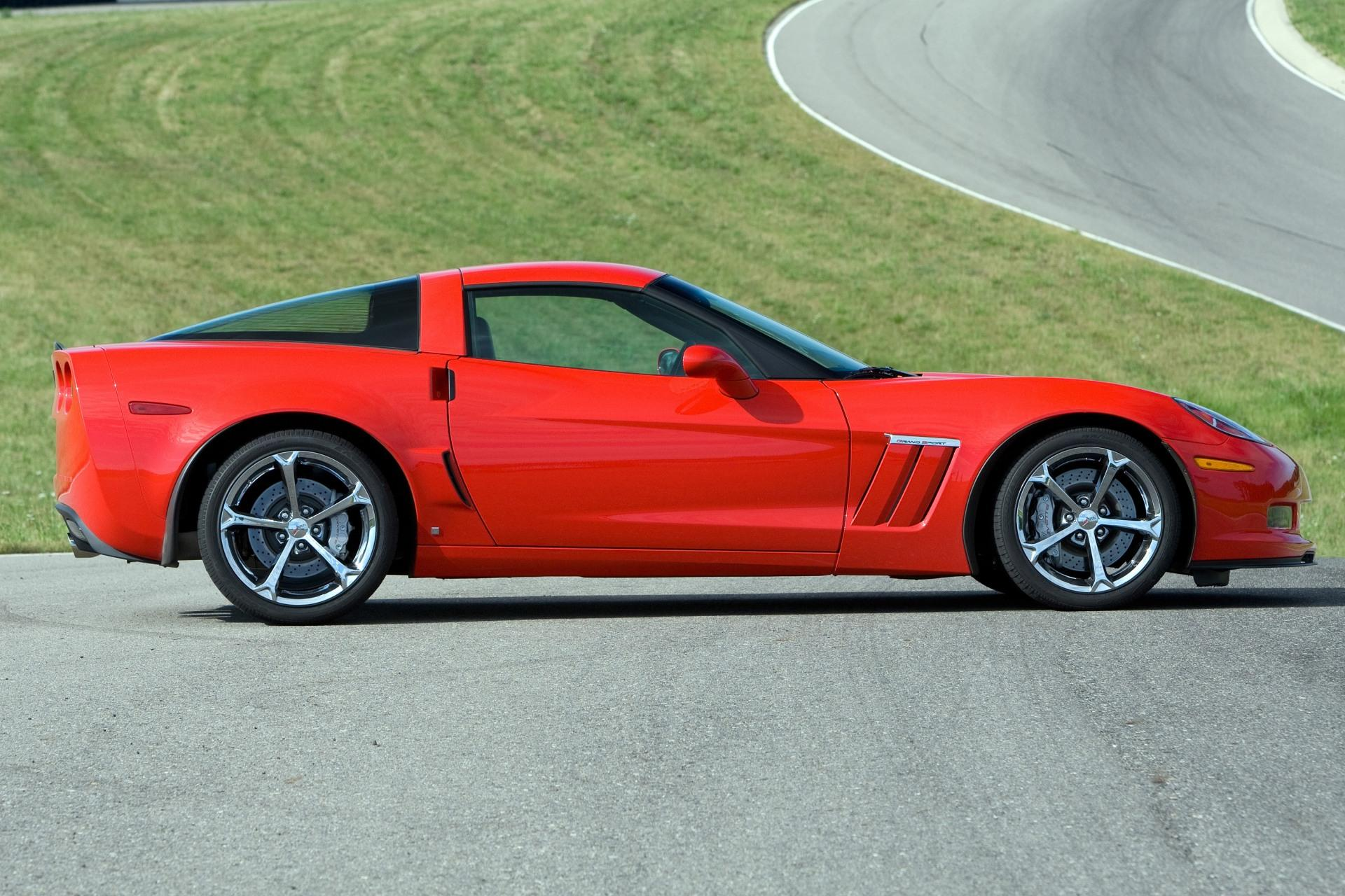 The Reviews are Coming In and the 2017 Corvette Grand Sport is the