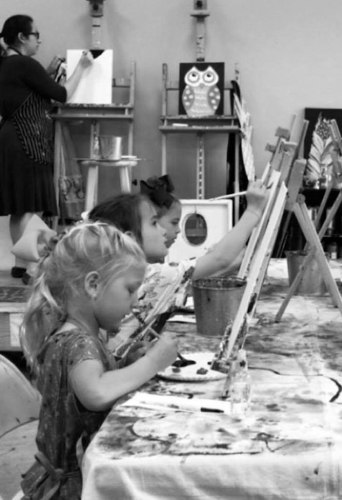 Children at a Lush Art painting party