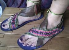 sandalias macrame y piel