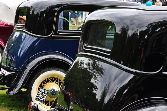 1932 Ford Victoria bustles