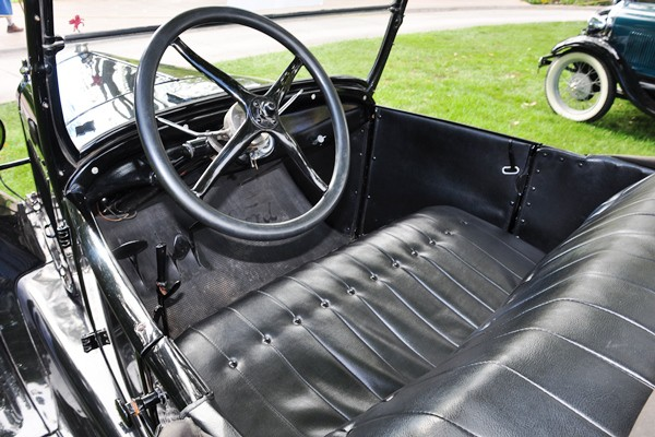 1926 Ford Model T Roadster interior