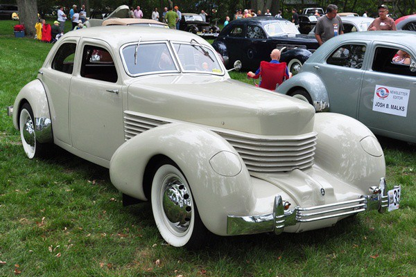 Scott Davis 1936 Cord 810 Westchester right front