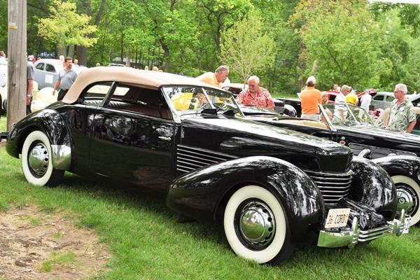 Terry and Connie Peshia 1936 Cord Phaeton