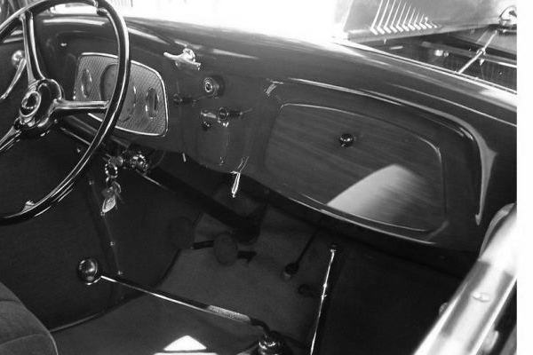 1933 Ford dash with separate instrument panel