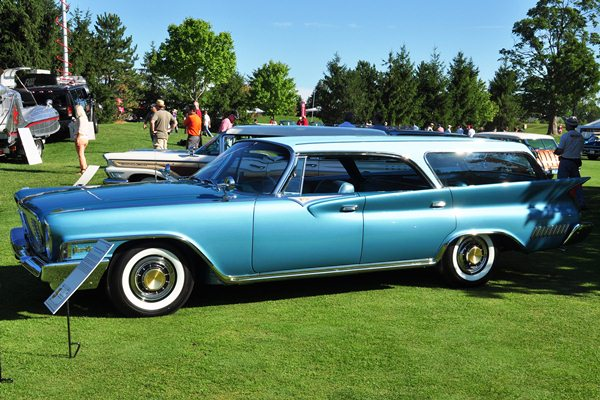 1961 Chrysler New Yorker Town & Country