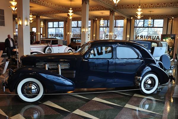 1937 Cord 812 Custom