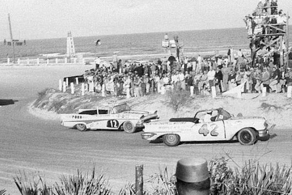 Lee Petty 42 Joe Weatherly 12 Daytona Beach 1958
