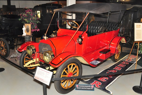 1913 Studebaker Model 25 Touring