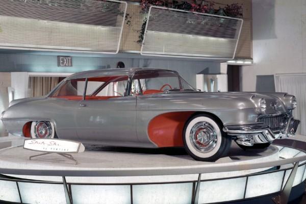 1955 Pontiac Strato Star Waldorf Astoria