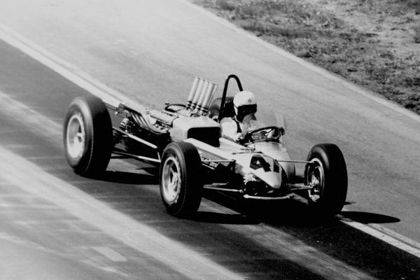 Bobby Johns Yunick Hurst Shifter Special on course 1964