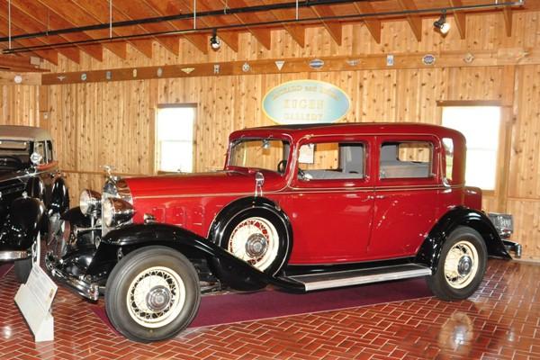 1932 Buick Model 90 Club Sedan