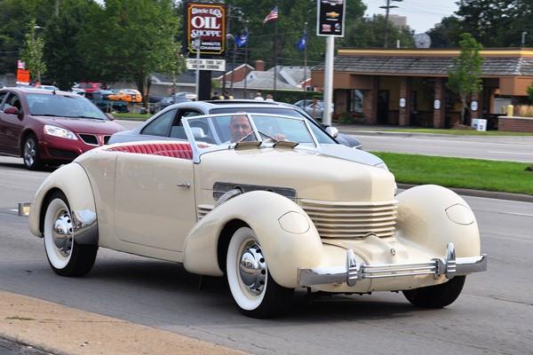 1937 Cord 812 Convertible
