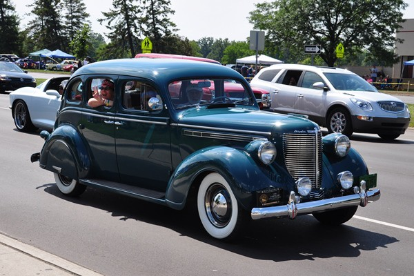 1938 Chrysler Royal Touring Sedan