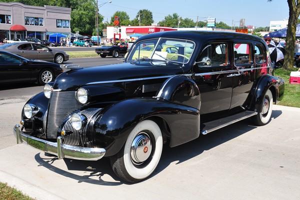 1939 Cadillac limousine