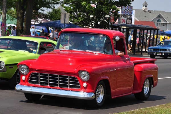 1955 Chevrolet Pickup red