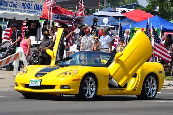 Corvette C6 with scissor doors