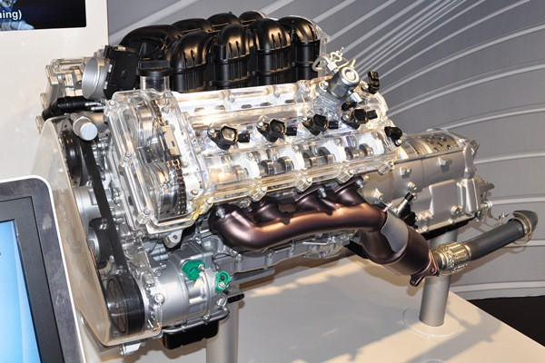 Hyundai V8 display