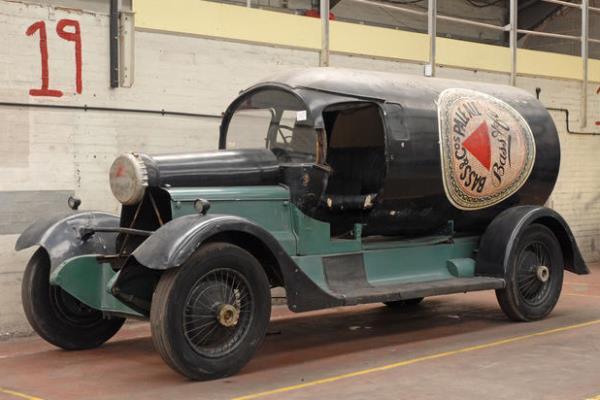 1921 Daimler TL30 Bass Pale Ale