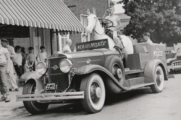1929 LaSalle Moxie soft drinks