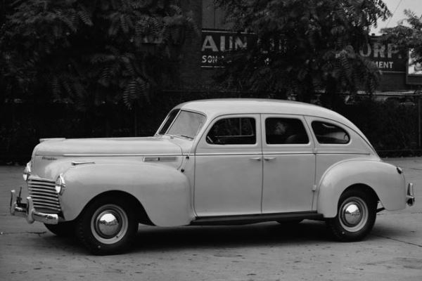1940 Chrysler Traveler Sedan
