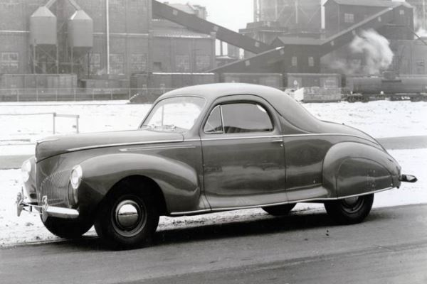 1940 Lincoln Zephyr Coupe