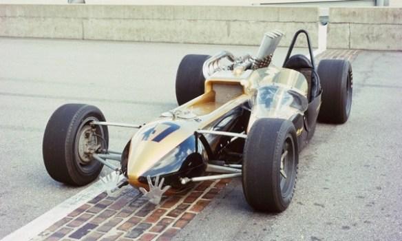 Smokey Yunick Capsule Car Bricks
