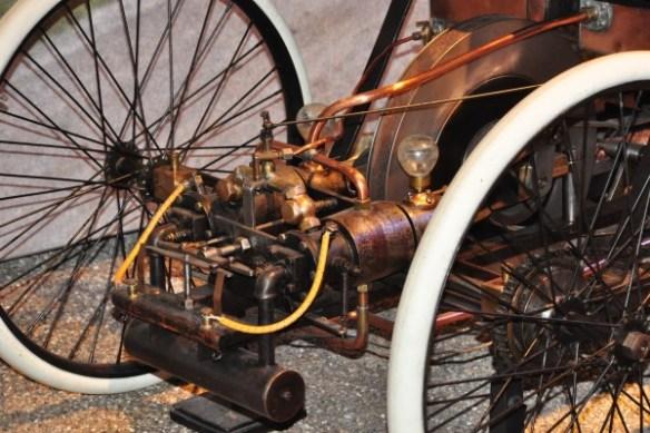 Quadricycle engine