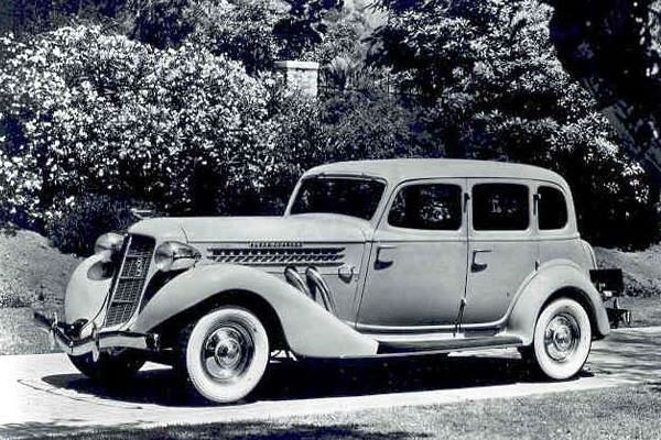 1936 Auburn 852 Sedan
