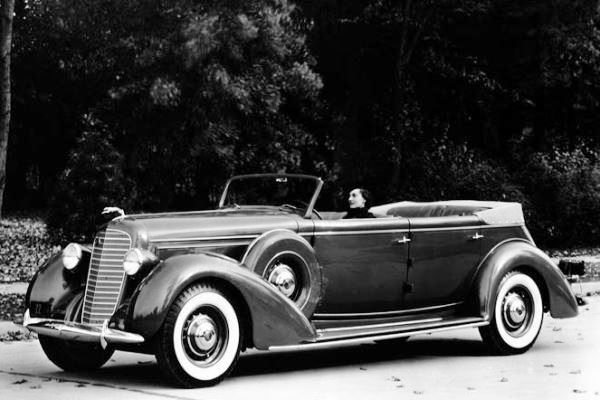 1936 Lincoln Willoughby Convertible Sedan