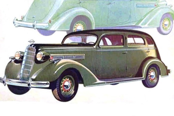 1936 Reo Flying Cloud Four-Door DeLuxe Sedan