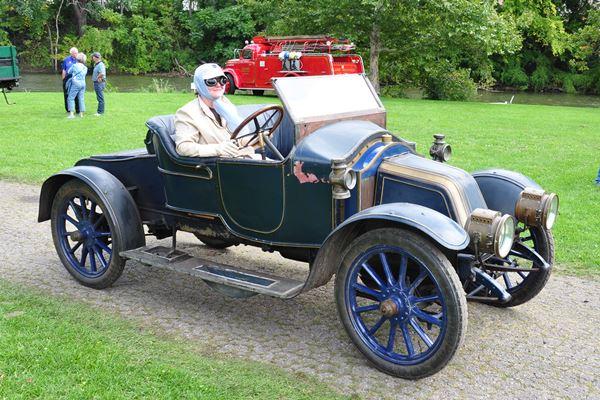 1908 Renault AG Roadster John and Dorothy Grace