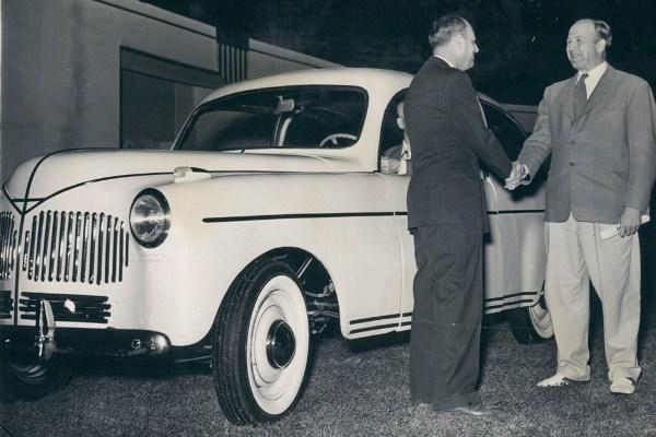 soybean car handshake