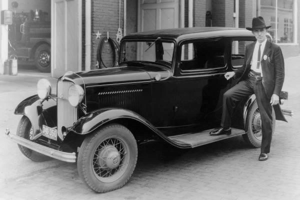 1932 Ford V8 Tudor Sedan peace officer