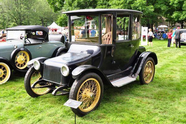 1918 Detroit Electric Brougham Bill & Robin Heller