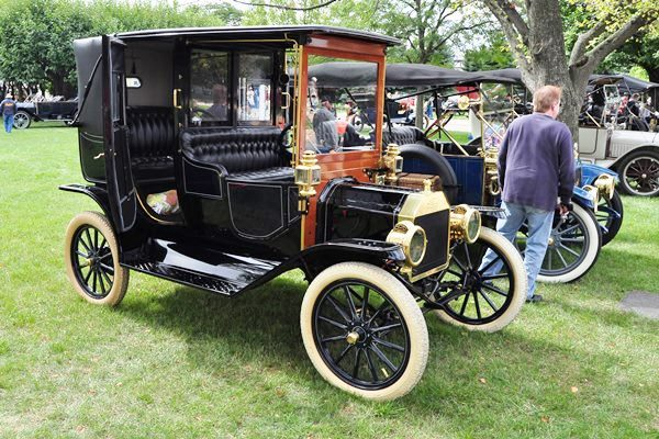 1912 Ford Model T Limousine