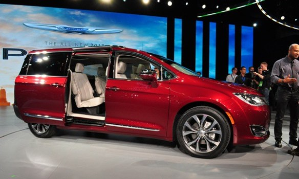 2017 Pacifica sliding door