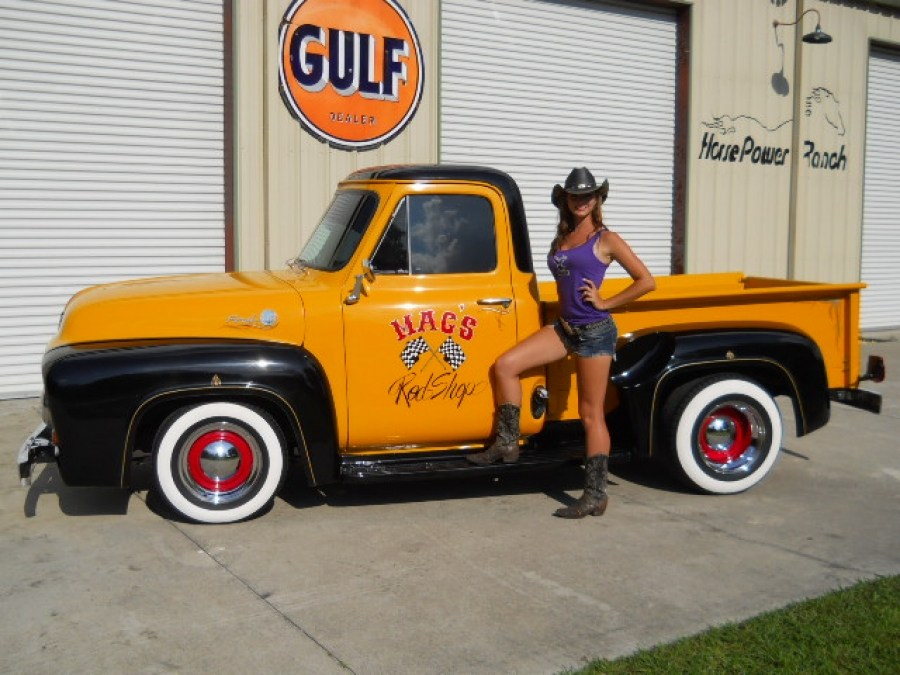 1955 Ford F-100 pick up