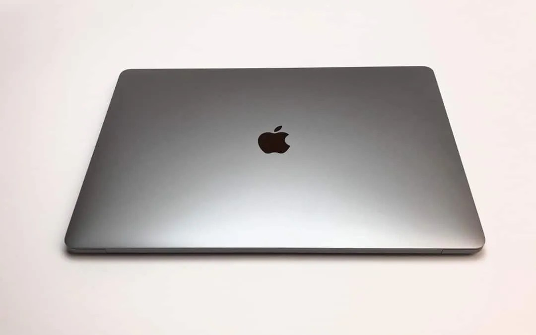 Apple 2016 15-inch MacBook Pro with Touch Bar REVIEW and Thoughts