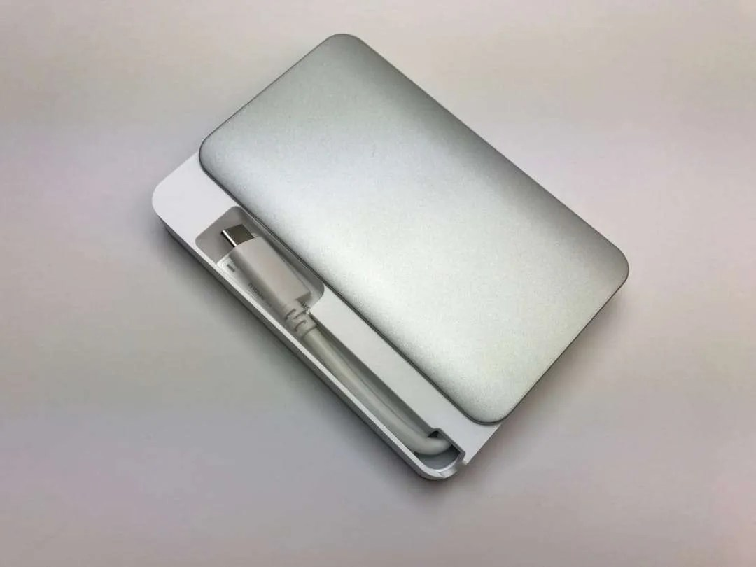 Moshi-Cardette-USBC