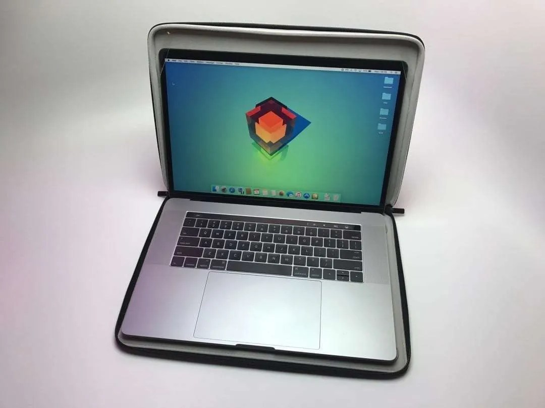 Moshi Codex 15 MacBook Carrying Case