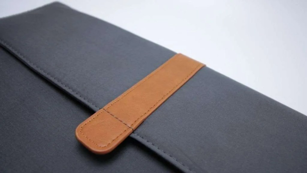 Tomtoc 15-inch MacBook Pro with Touch Bar Envelope Sleeve