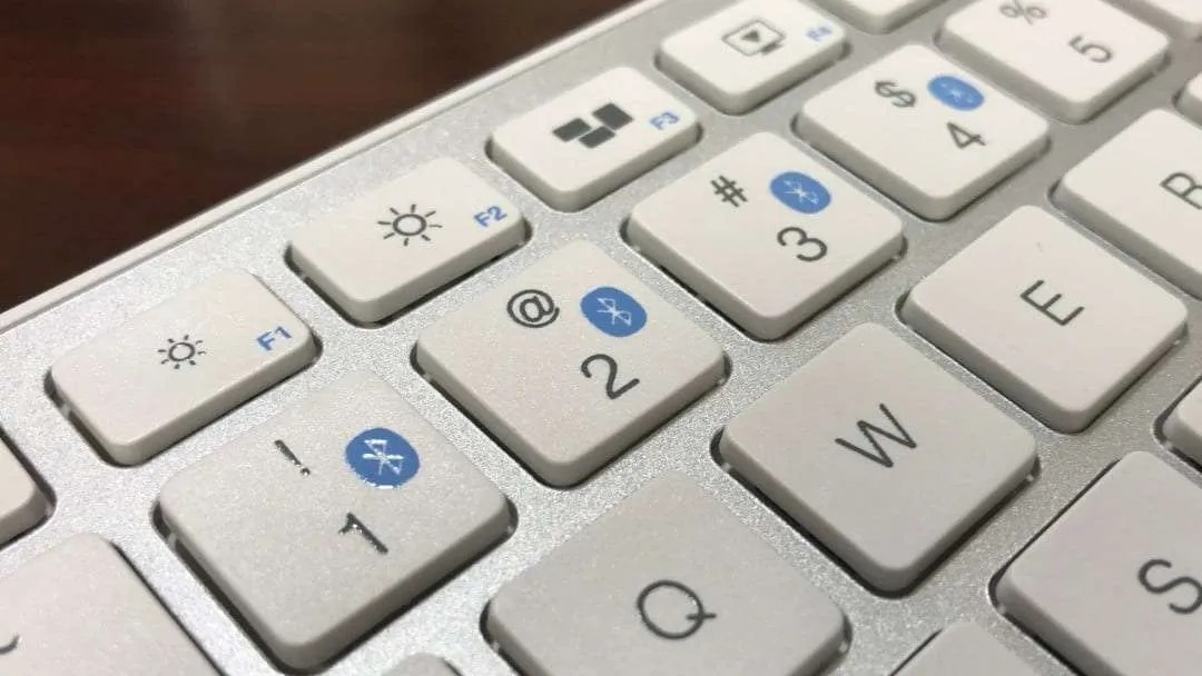Satechi Bluetooth Smart Keyboard REVIEW