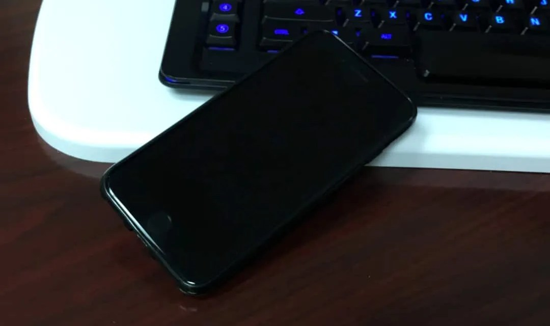 DODOcase Leather iPhone Card Case REVIEW