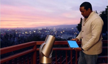 Hiuni Launches the World's First Interactive Telescope NEWS