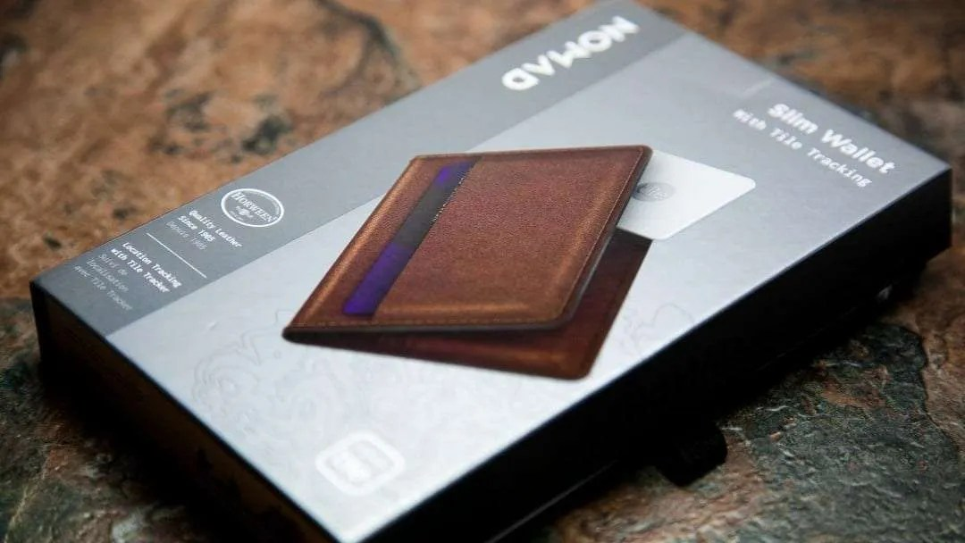 NOMAD Slim Wallet with Tile Tracking REVIEW