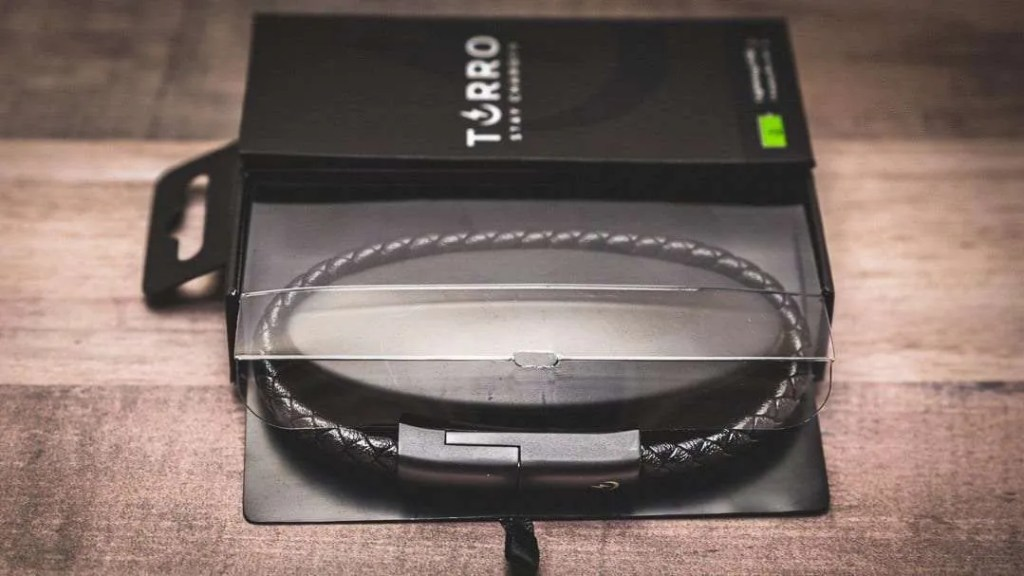 Torro Onyx Lightning Charging Cable Bracelet REVIEW