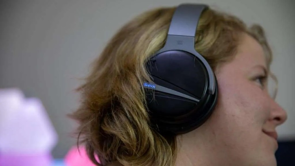 SHIVR 3D Noise Cancelling Headphones REVIEW